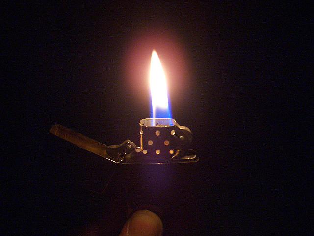 ライターによる放火殺人